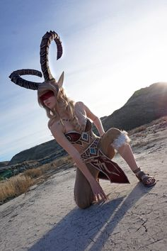 Blood Elf Demonhunter from World of Warcraft Cosplay http://geekxgirls.com/article.php?ID=9090