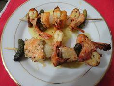 Spiedini di gamberoni e cetriolini - http://www.food4geek.it/le-ricette/secondi-piatti/spiedini-di-gamberoni-e-cetriolini/