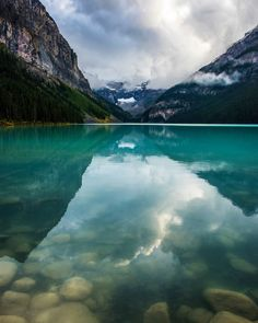 Lake Louise, Banff National Park, Canada   Nature & Landscapes of North…