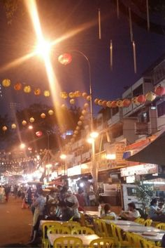 My one night in Kuala Lumpur was spent in the street of Jalan Alor by sampling the street food fare. Dinner was at the famous Wong Ah Wah. World Street, Street Art Photography, Kuala Lumpur, First Night, Wanderlust, Around The Worlds, Eat