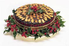 e-Pontos.gr: Οι Μωμόγεροι κόβουν την Πρωτοχρονιάτικη Βασιλόπιτα...