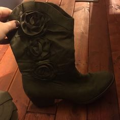 Heeled boots Size 8 heeled boots! Cute little flowers on the side. Shoes Heeled Boots