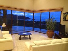 VRBO.com #373360 - Pacifico House !!!New  Executive Home with Direct Ocean View
