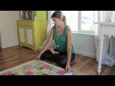 Video Tutorial: Basting Quilts with Safety Pins | FaveQuilts.com