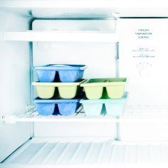 This is a guide about cleaning a smelly freezer. Cleaning the stench out of a freezer can be difficult especially if you have a lot of built up ice. With these tips you will have your freezer smelling fresh again.