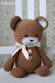 PATTERN Smugly-bear crochet pattern amigurumi by lilleliis
