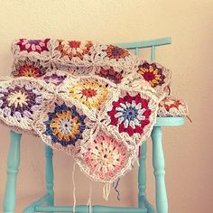 Flowers in the snow blanket made by sarahdotson, thanks so for share (Ravelry link) xox