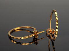Vintage Gold Hoop Earrings 3/4 Hoop Diamond Cut 70s Earrings