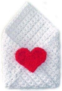 Valentine Envelope - Free Valentines Day Crochet Patterns - The Lavender Chair Cure idea. I would crochet the heart too! Crochet Gratis, Crochet Amigurumi, Crochet Toys, Love Crochet, Learn To Crochet, Diy Crochet, Crochet Hearts, Crochet Ideas, Knitting Patterns