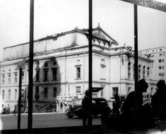 Din această poză se vede că latura Teatrului național dinspre Palatul telefoanelor era în stare foarte bună.