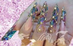 Creepiest blingy nails ice every seen!  LOL! oh my gosh!  How wouls you perform basic hygiene every day! ?