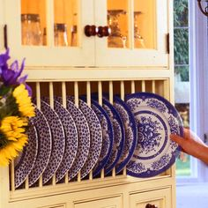 <p>Keeping kitchen clutter under control isn't easy, but we've selected some of our favorite ideas for keeping an orderly, efficient kitchen</p>