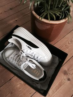 more photos 3ca71 01503 Puma sneakers by Rihanna
