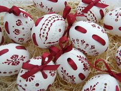 Easter eggs, painted white and red wax, a darker burgundy red ribbon (painted eggs - kraslice madeirová - крашенки) Egg Crafts, Easter Crafts, Egg Shell Art, Carved Eggs, Ukrainian Easter Eggs, Egg Designs, Easter Projects, Easter Colors, Egg Art