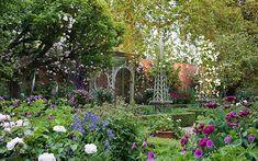 English gardensphoto.com | English rose garden - Seend Manor walled garden in pictures