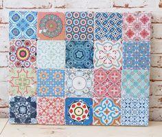 Just make your own vintage tiles Simple Tiles Make Your Vintage Home - Wohnaccessoires Selber Machen Diy Vintage, Vintage Tile, Azulejos Diy, Stair Stickers, Floor Graphics, Ard Buffet, Tadelakt, Mosaic Wall Art, Pattern Wallpaper