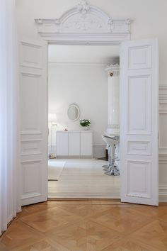 Classic Home / White doors
