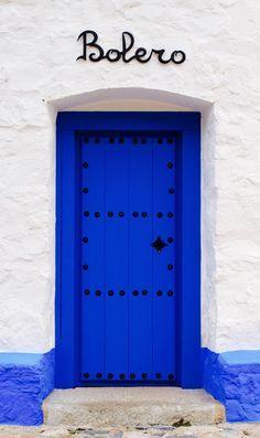 A bold blue door from Toledo, Spain. Cool Doors, Unique Doors, Door Shades, When One Door Closes, Grand Entrance, Door Knockers, Closed Doors, Doorway, Windows And Doors