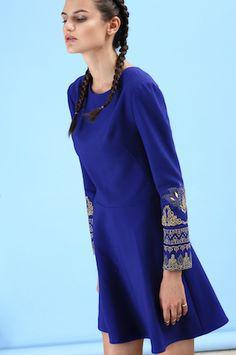 Машинная вышивка на платье для FLASHIN'