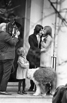 Civil Wedding Of Paul McCartney Linda Eastman Marylebone Register Office London 12th