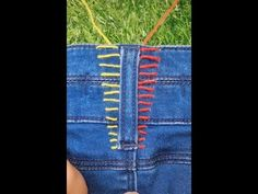 Cool sewing hacks you definitely have to know! These sewing tips and living hacks will make your life easier. A number of them are so surprisingly simple you simply won't believe you haven't thought of yourself! Sewing Hacks, Sewing Tutorials, Sewing Crafts, Sewing Tips, Sewing Patterns For Kids, Sewing Projects For Beginners, Free Sewing, Hand Sewing, Umgestaltete Shirts