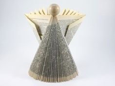 Weihnachtsfiguren - Papierengel - Weihnachtsengel- Gefaltete Buchkunst - ein Designerstück von CeeBee-recycle bei DaWanda