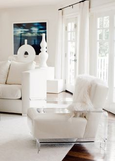 Design | Carrie Livingston| White is Right
