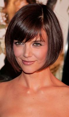 Twiggy Hairstyles - Short Bob With Bangs