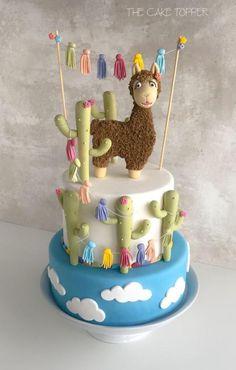 Llama Fondant Cake - cake by Monique Ascanelli