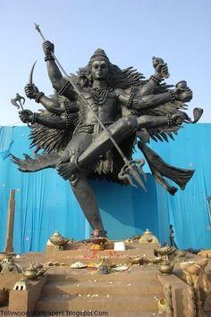 Shiva Nataraj in the Dance of Destruction and Creation Mahakal Shiva, Shiva Statue, Shiva Art, Lord Krishna, Lord Shiva Hd Images, Shiva Lord Wallpapers, Temple Indien, Lord Shiva Painting, Shiva Tattoo