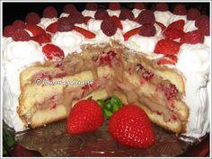 Tort de capsuni si zmeura cu crema de ciocolata