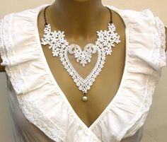 Victorian White Heart Lace Romantic Necklace