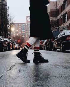 Street stylin' the happy way! Happy Socks, Street, Boots, Winter, Instagram, Fashion, Socks, Crotch Boots, Winter Time