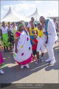 African Attire, African Wear, African Dress, African Fashion, Traditional Wedding Attire, Traditional Weddings, Traditional Outfits, African Traditional Wedding, African Traditional Dresses