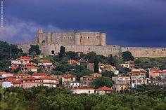 Χλεμούτσι, Κυλλήνη: Στον κάμπο της Ηλείας κυριαρχεί ένα από τα πιο… Places In Greece, Greek Beauty, Mycenaean, Crete Greece, Greece Travel, Byzantine, The Good Place, Medieval, Island