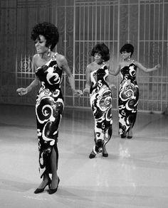 LOVE these dresses!!!  The Supremes - New York City - 1965