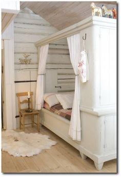 Op deze manier lijkt het net een bedstee.1349858763 van driesmoeltje 500x737 Swedish Cupboard Bed