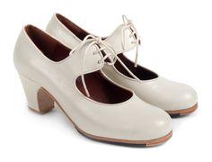 #Zapatos para #baile #Flamenco La Uchi, hechos a mano por ArteFyL. Visita su tienda online