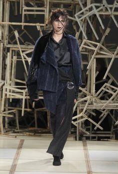 Desfile: Pedro Neto (Bloom). Fonte: site Portugal Fashion.