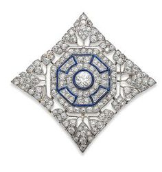 AN ART DECO ENAMEL AND DIAMOND PLAQUE BROOCH