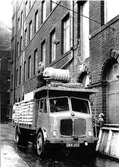 Vintage Trucks, Old Trucks, Old Lorries, Industrial Architecture, Slums, Commercial Vehicle, Bradford, The Good Old Days, Buses