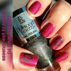 #essence #exittoexplore 04 #pinkparrot in 2 Schichten mit #rivaldeloopyoung #hollywoodfever #glitzandglamour und #nailvinyls von #svenjasnailart in #hibiscus 💅 #essencecosmetics #essence_cosmetics #rdly #hibiskus #nailpolish #nagellack #naillacquer #instanails #nailswag #nailsdone #manicure #notd