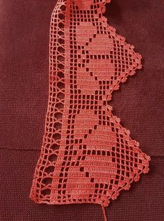 This post was discovered by zeynep. Discover (and save!) your own Posts on Unirazi. Filet Crochet, Crochet Borders, Thread Crochet, Crochet Crafts, Yarn Crafts, Easy Crochet, Crochet Lace, Crochet Projects, Sewing Crafts