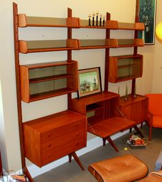 Mid Century Modern Ergo Deluxe teak wall unit Mcm Furniture, Custom Furniture, Furniture Design, Vintage Furniture, Mid Century Wall Unit, Mid Century Decor, Modern Interior Design, Interior Design Living Room, Atomic Decor