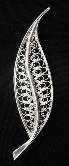 Beautiful Sterling Silver Filigree Pin