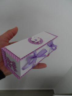 Caixa retangular para doces ou lembranças