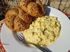 Tvarohovo-vajíčkový šalát (fotorecept) Mashed Potatoes, Salads, Food And Drink, Cookies, Ethnic Recipes, Desserts, Whipped Potatoes, Crack Crackers, Tailgate Desserts