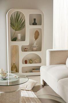 Wall Shelves, Shelving, Diy Regal, Apartment Furniture, Couch Furniture, Furniture Design, Bookshelves, Bookshelf Styling, Home Goods