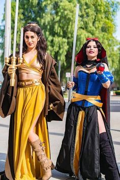 Jedi/Disney - coplayers Elizabeth Rage as Belle and Amber Arden as Snow White https://www.flickr.com/photos/134712202@N07/24377847559/in/album-72157664026588091/
