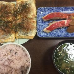 桜ご飯 ほうれん草の味噌汁(インスタント) キンキの煮付け あげのピザ - 57件のもぐもぐ - 朝食 by アクちゃん